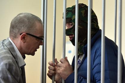 Александр Воробьев (справа) во время заседания Лефортовского суда
