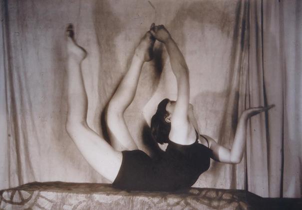 По сути, начиная с 1930-х, Гринберг, который до этого был признанным мастером и неоднократно удостаивался наград международных конкурсов, находился в творческой изоляции. После освобождения из лагерей ему приходилось довольствоваться преподаванием на курсах фотографии и прикладными съемками.