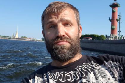 В Краснодаре сыгравшего хоккеиста Овечкина актера задержали в аэропорту
