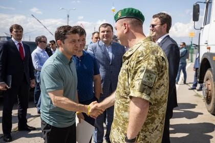 Зеленский провел совещание на границе с Крымом