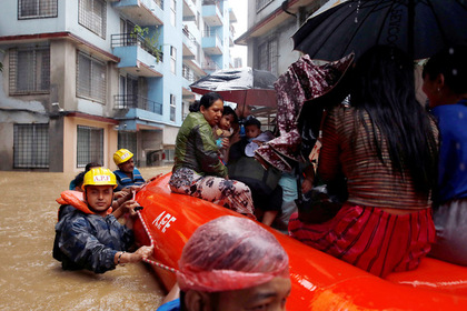 В Азии миллионы людей пострадали от жуткого дождя