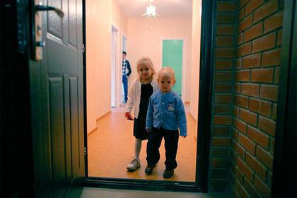 Российская школьница изобрела способ защиты детских пальцев от защемления дверью
