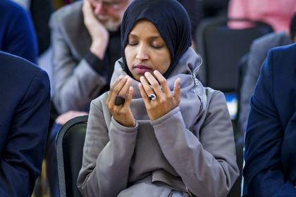 Оскорбившаяся сомалийка из Конгресса призвала к импичменту Трампа