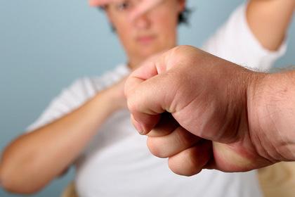 В ЕСПЧ обратилась сотня жертв домашнего насилия в России