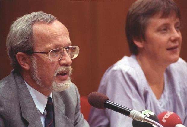 Лотар де Мезьер и Меркель в 1990 году