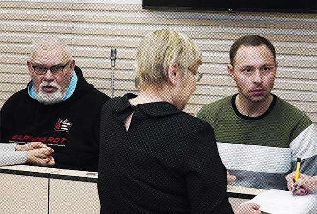Денис Метсавас и его отец Петр Волин в суде
