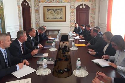 Украина снова пригрозила разобраться с венгерскими чиновниками