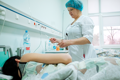 Два десятка москвичей купили еду в вендинговых автоматах и попали в больницу