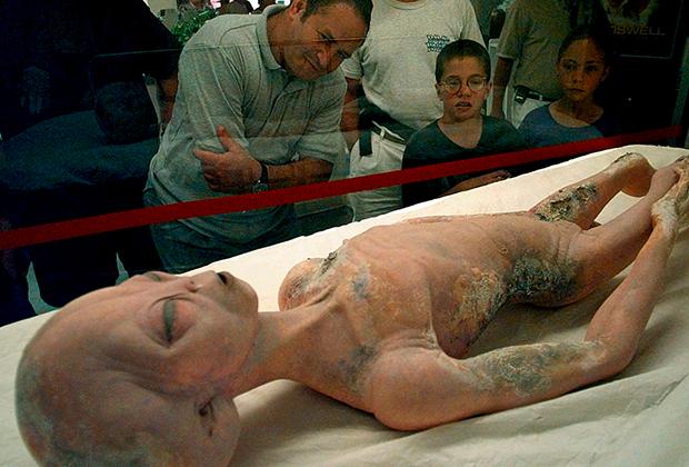 Макет инопланетянина в музее НЛО в Розуэлле