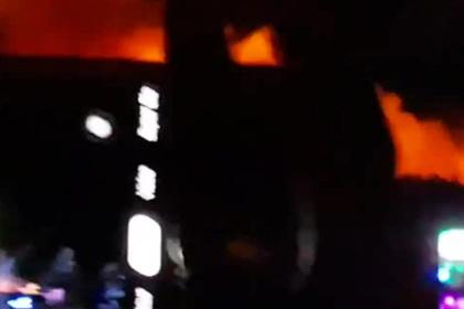 Появилось видео мощного пожара рядом с крупным фестивалем
