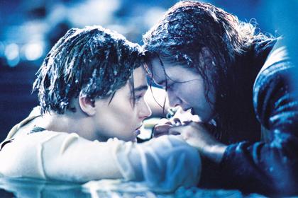 Питт и Робби расспросили Ди Каприо о нелогичной смерти его героя в «Титанике»