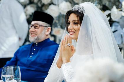 Отрекшийся от престола малайзийский король развелся с «Мисс Москва»
