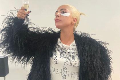 Россияне превратили Instagram Леди Гаги в чат о голубцах и пробках