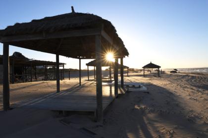 Повредивший позвоночник на курорте россиянин застрял в Тунисе