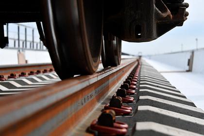 НаКрымском мосту уложили все рельсы
