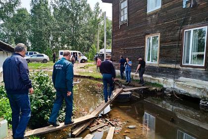 Разыскиваемого 24 года россиянина спасли во время наводнения в Иркутской области