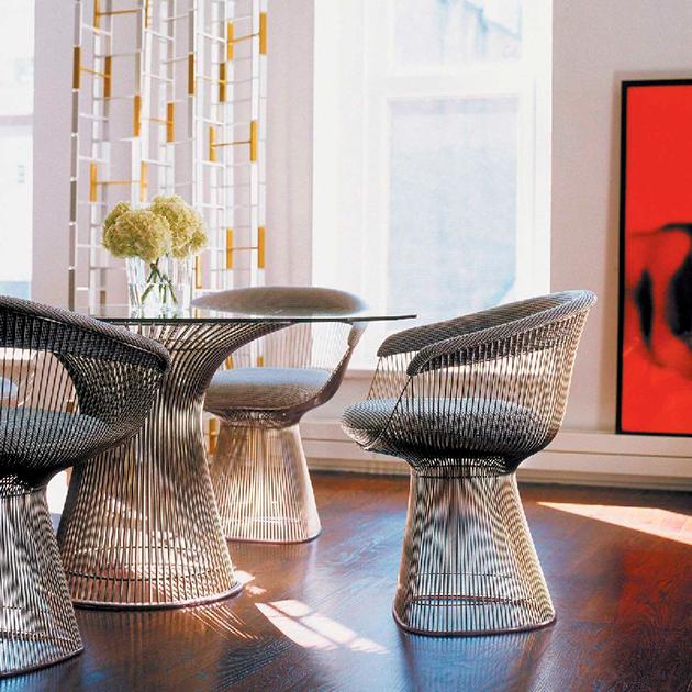 Кресло и стол Platner, «снимавшиеся» в фильме «Джеймс Бонд: Квант Милосердия»