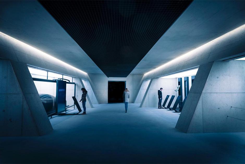 Музей бондианы 007 Elements
