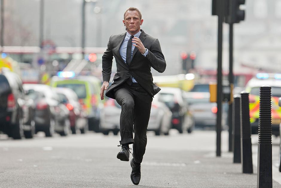 """Дэниел Крэйг в фильме «007: Координаты """"Скайфолл""""» (2012)"""