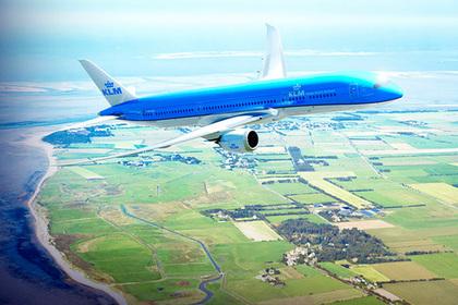 Авиакомпания назвала самые опасные при крушении места в самолете и была обругана