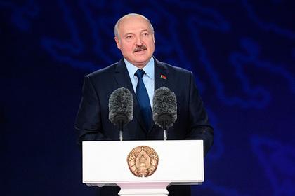 Лукашенко попросил Запад быть поаккуратнее с правами человека