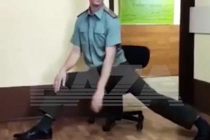 Росгвардию взволновало видео фривольного танца российского лейтенанта
