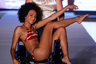Журнал Sports Illustrated Fashion Show продемонстрировал свое стремление к инклюзивности и поддержку людей с особенностями строения тела: одну из моделей в купальнике вывезли на подиум в кресле на колесах.