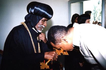 Православного патриарха выгнали из церкви за ересь photo