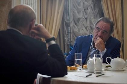 Оливер Стоун попросил Путина стать крестным отцом его дочери