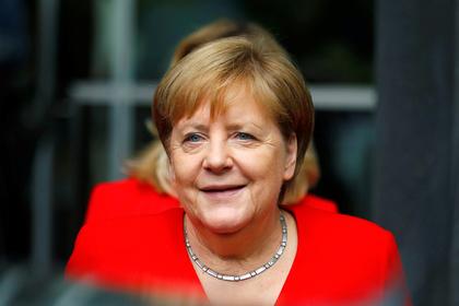 Меркель отправили в длительный отпуск