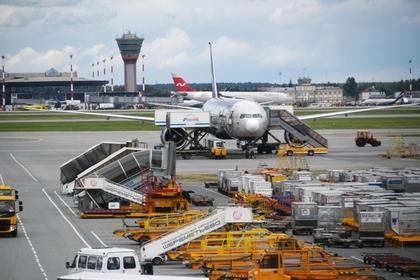 В московских аэропортах задержаны или отменены десятки рейсов