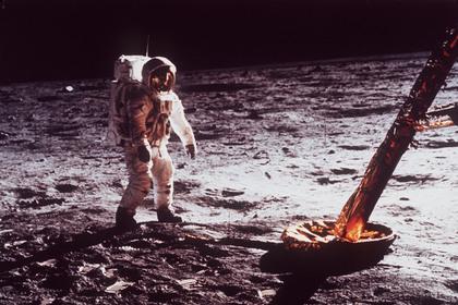 США пообещали оставить астронавтов на Луне