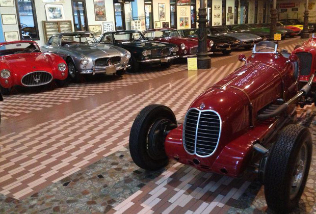 Помимо практически полного собрания дорожных моделей семья Панини купила и несколько уникальных гоночных образцов. Например, самые первые Maserati Формулы-1...