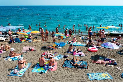 Подсчитаны траты россиян на лечение во время отпуска за границей