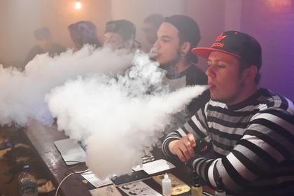 В Минздраве усомнились в безопасности электронных сигарет