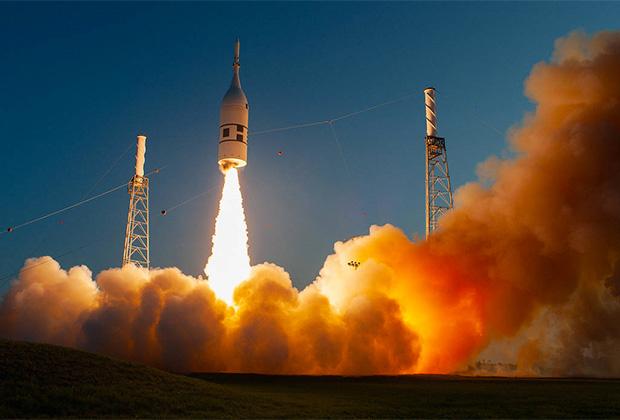 Испытание системы аварийного спасения космического корабля Orion