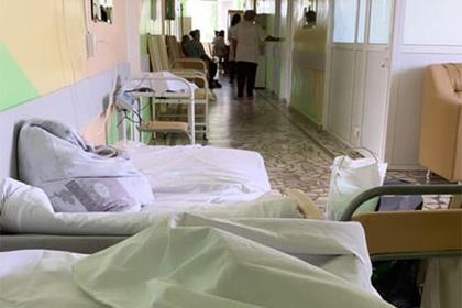 Беременную россиянку заставили подписать согласие на койку в коридоре клиники