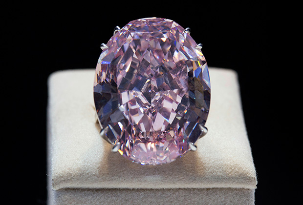 Бриллиант Pink Star продан за рекордные 71,2 миллиона долларов