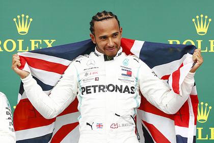 «Лысого» чемпиона Формулы-1 заподозрили в пересадке волос