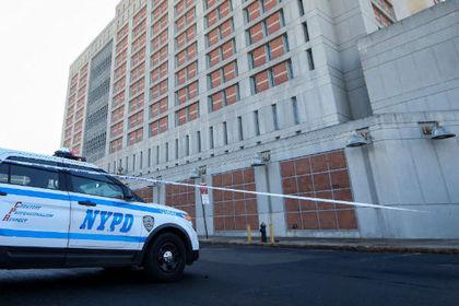 При стрельбе на детской площадке в Нью-Йорке пострадали семь человек