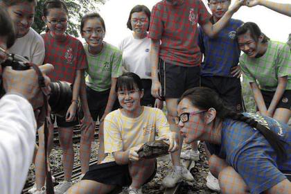 Кажущийся цветным черно-белый снимок запутал пользователей сети