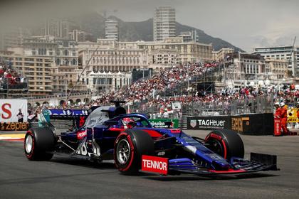 Российский гонщик впервые в сезоне поднялся на подиум «Формулы-1»
