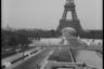 Эйфелева башня. Париж, 1945 год.
