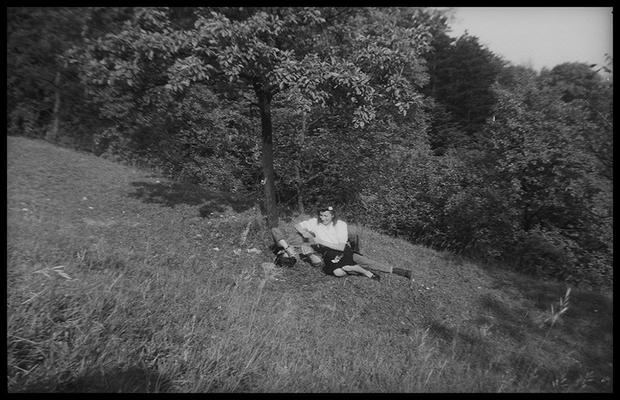 Портрет американского солдата с девушкой. Предположительно, Франция, 1945 год.