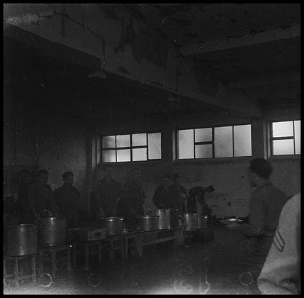 Столовая американских солдат. Германия, 1945 год.