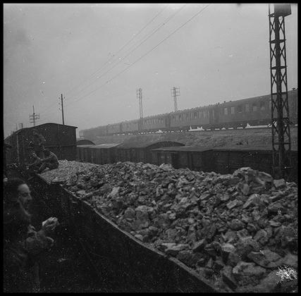 Транспортировка американских солдат по железной дороге. Германия, 1945 год.