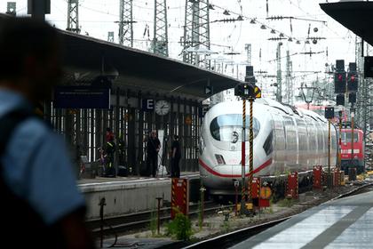 Мигрант столкнул восьмилетнего мальчика под поезд в Германии