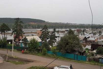 Федеральную трассу перекрыли из-за паводка в Иркутской области