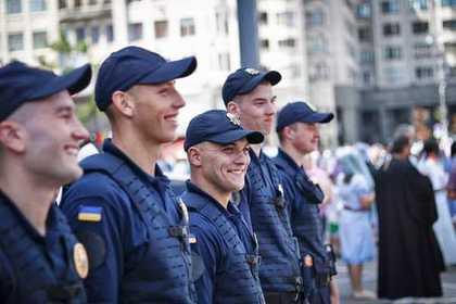 На украинские улицы вывели Нацгвардию