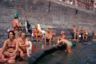 С тех пор, как извержение Везувия уничтожило Помпеи, именно Неаполь стал центральным городом региона Кампания, его торговым, финансовым и политическим центром, привлекавшим людей со всего юга Италии.